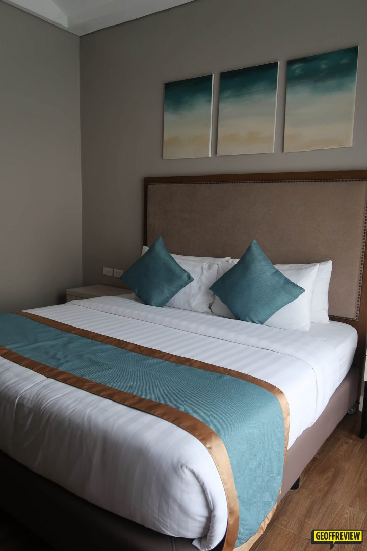 royale parc hotel tagaytay contact number