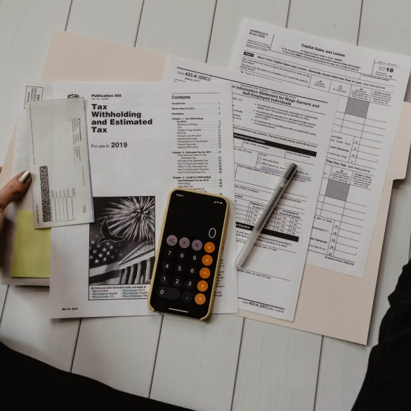 4 Simple Budgeting Techniques That Help You Save Money